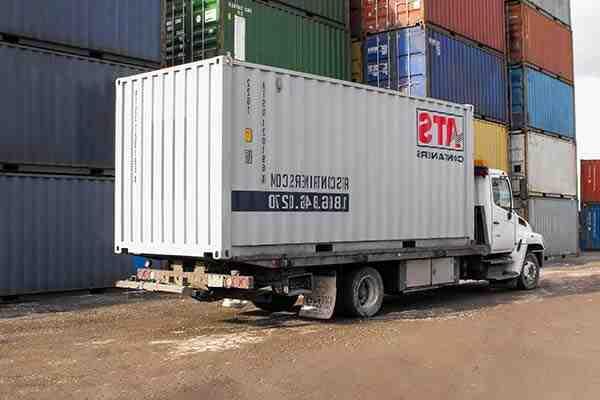 Comment décharger un conteneur sans quai?