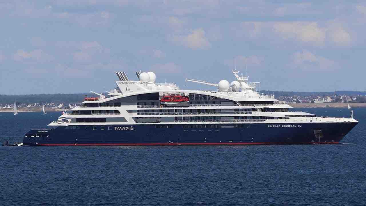 Où se trouve la principale ligne de transport maritime régulier de la Cma-CGM?