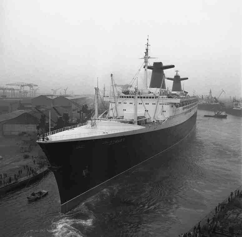 Quel est le plus gros navire de guerre du monde?